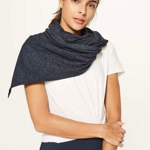 Hearthred dark blue/grey lulu scarf